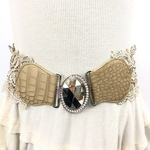 Daytrip Elastic Lace Belt